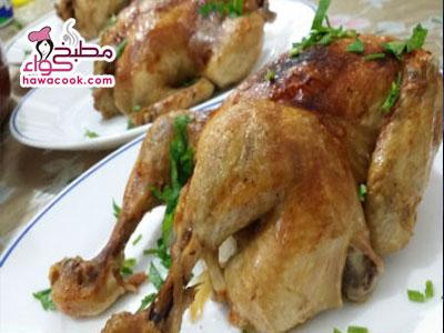 فيديو تحضير دجاج محشي بالبصل مع الأرز