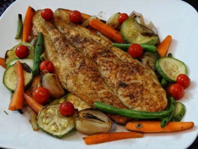 69-rainingfood.com_grilled_white_fish_fillet_in_cajun_spice_3