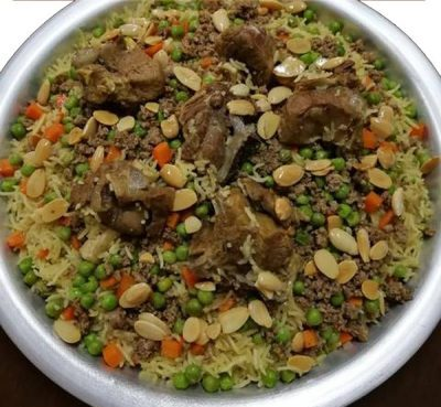 ارز-باللحمة-والبسلة